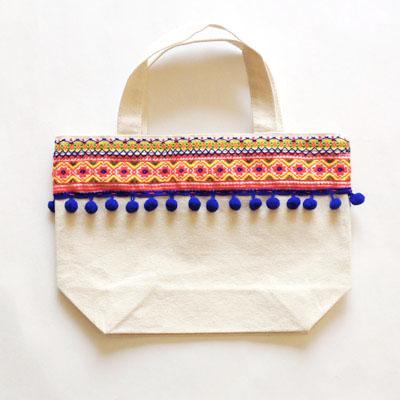チロリアンテープと刺繍でミニトートのサンプル_a0277132_18582777.jpg