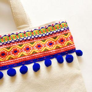 チロリアンテープと刺繍でミニトートのサンプル_a0277132_1911772.jpg