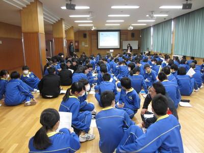 中学校での福祉学習_f0296368_1605340.jpg