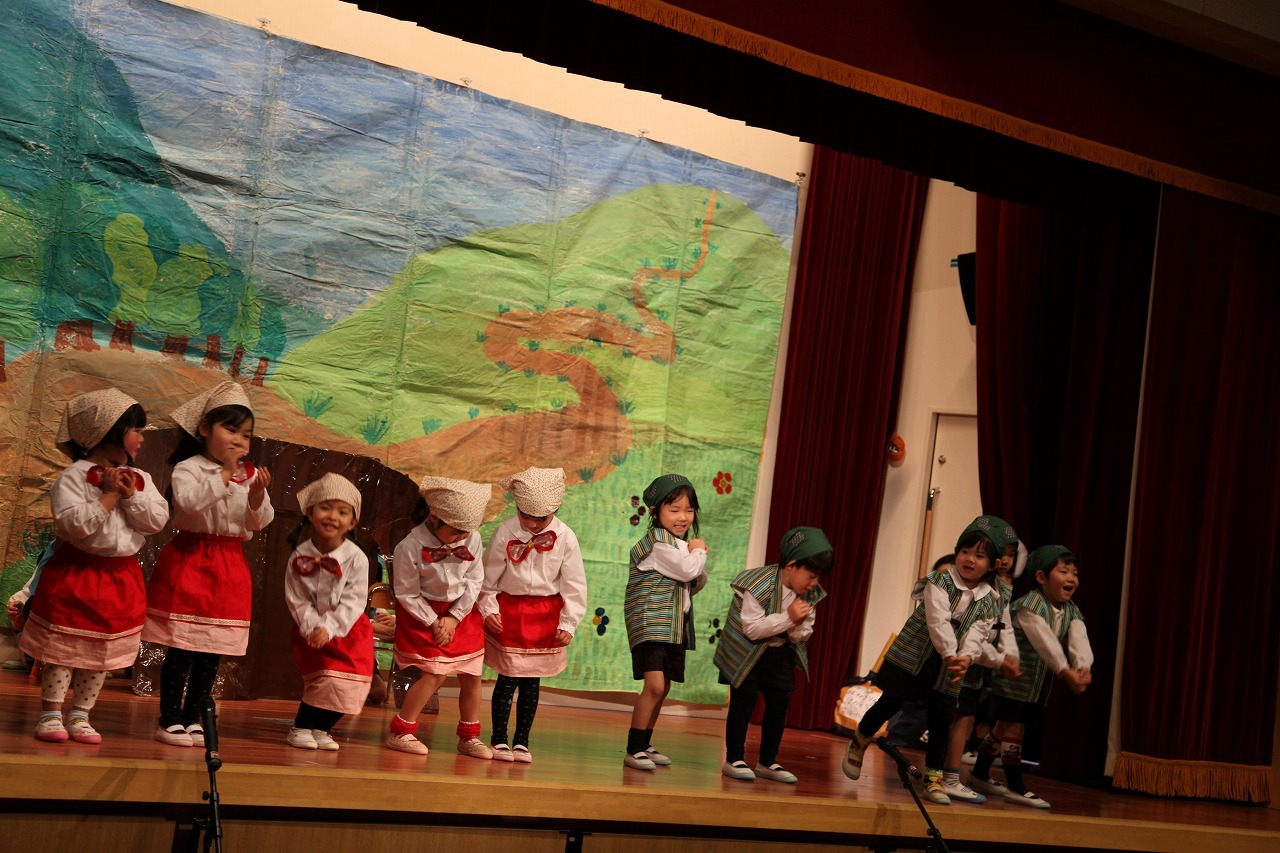 諏訪ノ森幼稚園の予行_b0277979_13004003.jpg