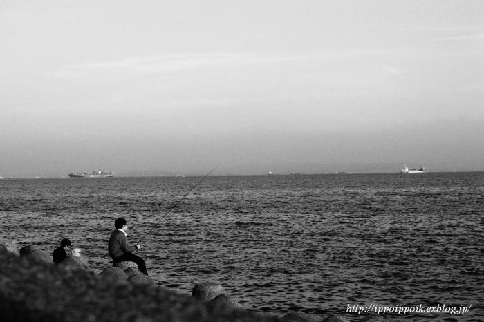 海を見ていた午後-金沢沖遠望_e0152866_12420781.jpg