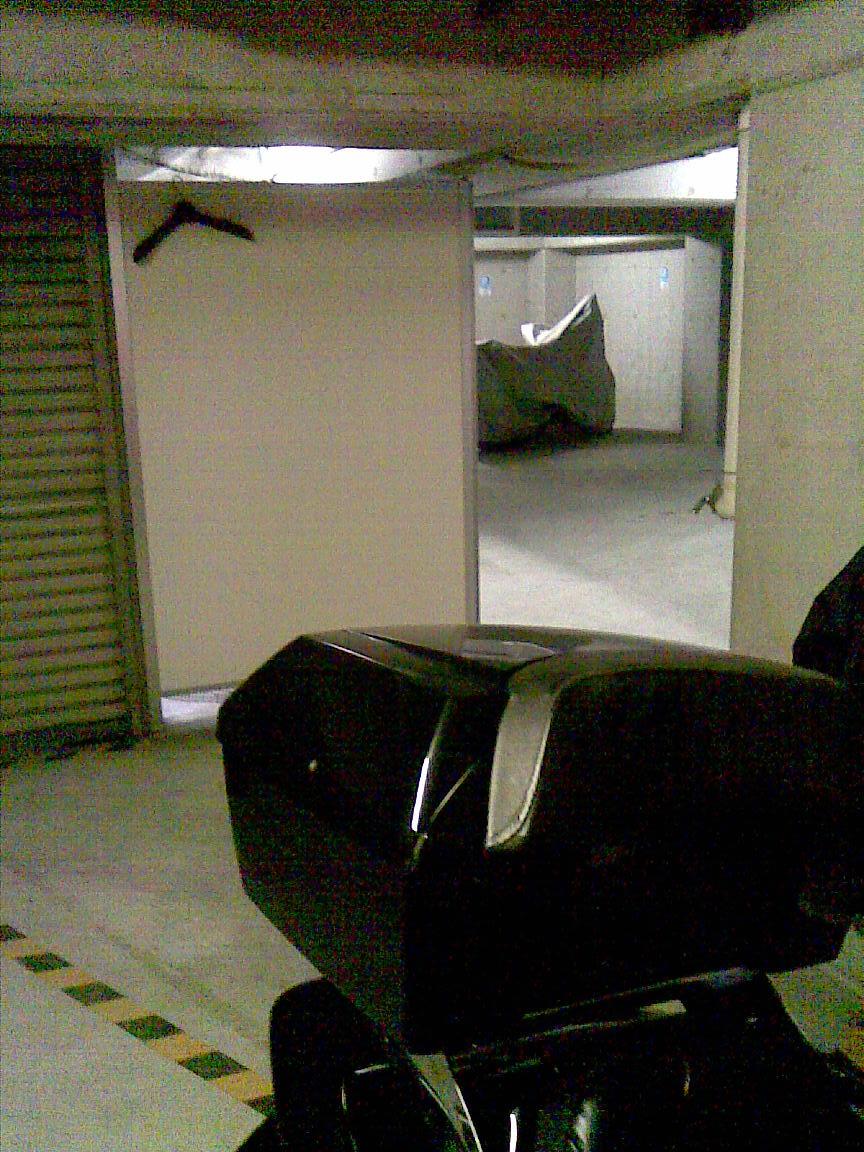 続:朝に車庫のシャッターが開かず!!_d0061678_154545.jpg