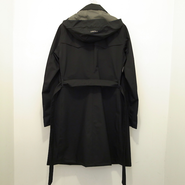 HERNO LAMINAR TRENCH COAT:SORRY,SOLD OUT!_f0111683_15274104.jpg