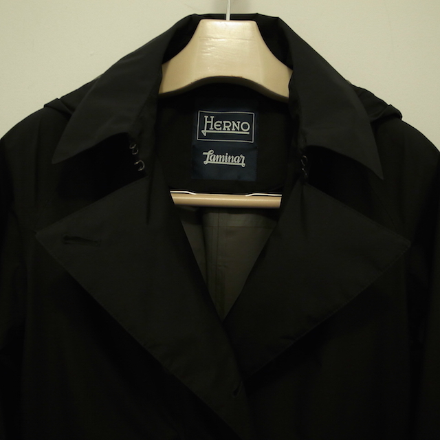 HERNO LAMINAR TRENCH COAT:SORRY,SOLD OUT!_f0111683_16332150.jpg
