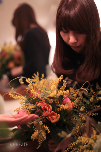 夜に集う女性たち〜パーソナルブーケ_b0208604_16052803.jpg