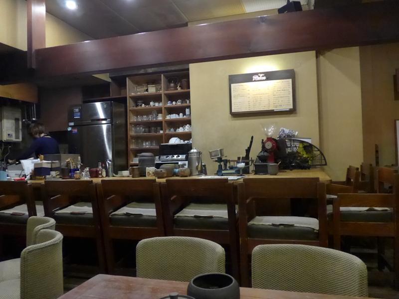 六本木「カフェ れいの」へ行く。_f0232060_1604116.jpg