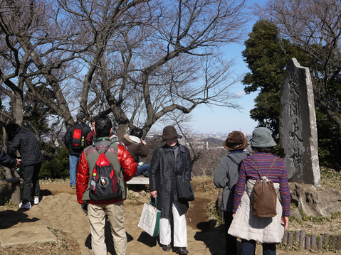 好評!早春の北鎌倉の里山を歩こう 六国見山-明月荘コース_c0014967_5491344.jpg