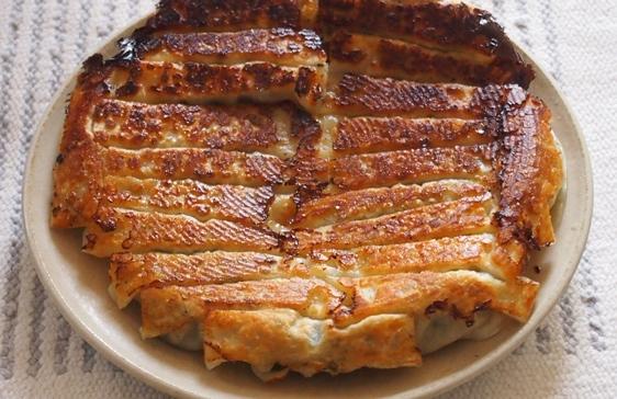 豚と干しエビの焼餃子_e0148373_21102831.jpg