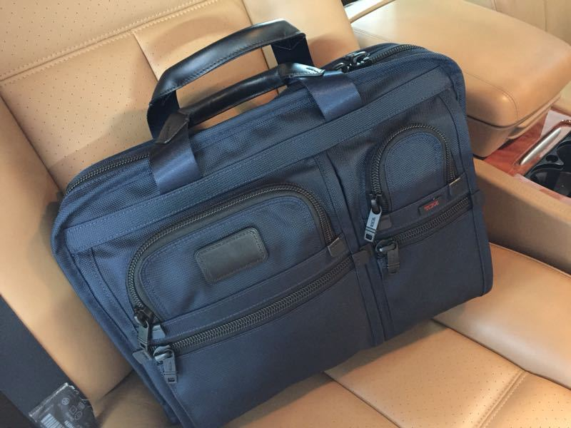 Tumi with Navy Color._c0128818_10454684.jpg
