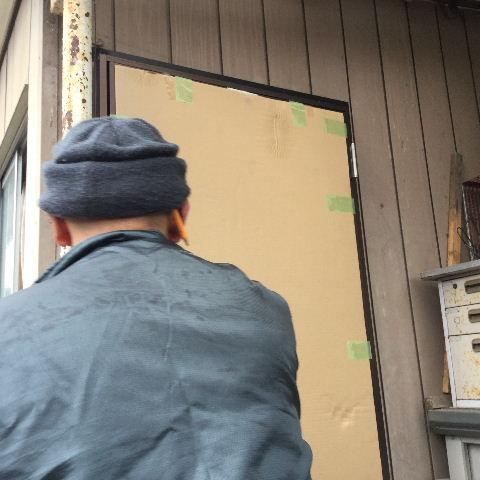 ドア交換とレディス部隊_f0031037_1833663.jpg