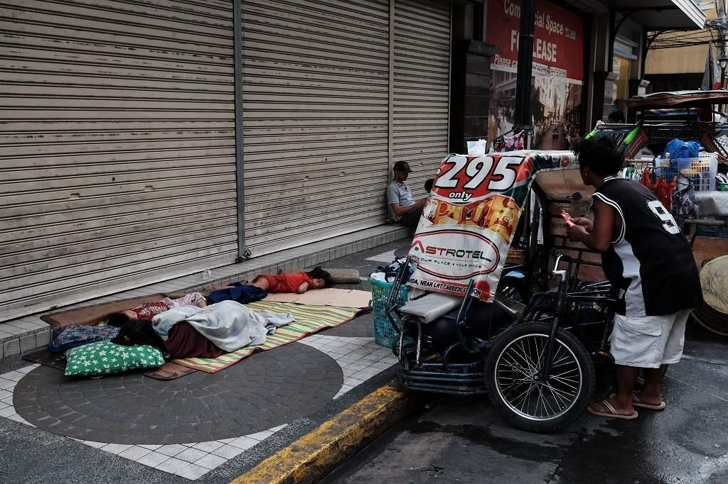 Manila on the street 2 by FUJIFILM X-T1_f0050534_08513341.jpg