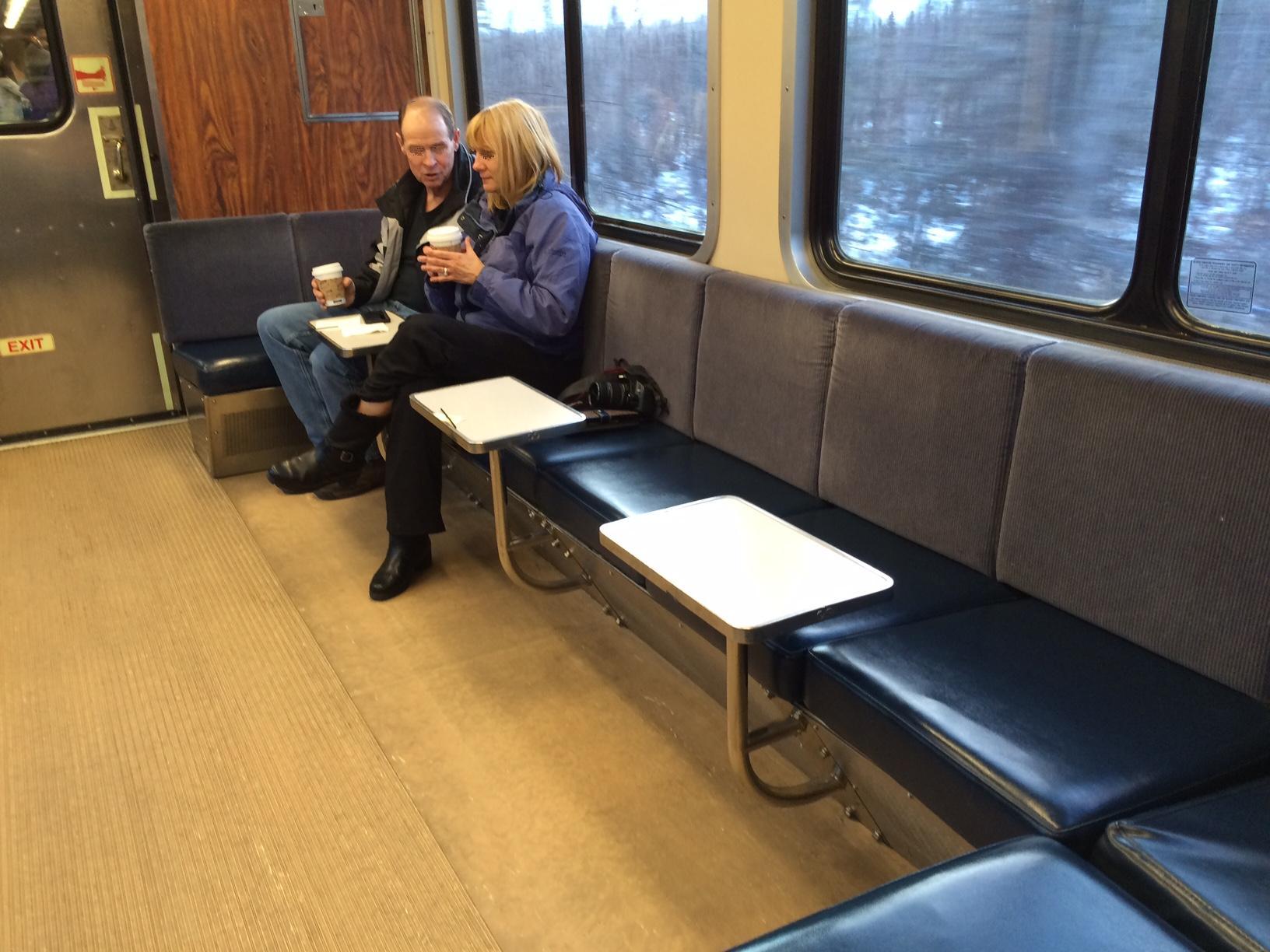 アラスカ鉄道の旅。 アンカレッジからタルキートナへ その1_b0135948_121577.jpg