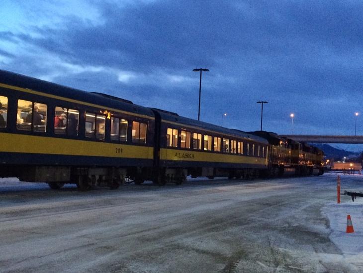 アラスカ鉄道の旅。 アンカレッジからタルキートナへ その1_b0135948_8463595.jpg