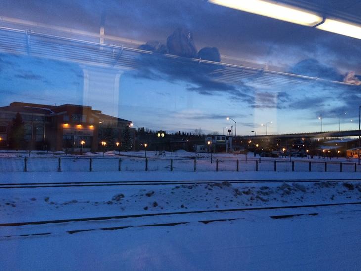 アラスカ鉄道の旅。 アンカレッジからタルキートナへ その1_b0135948_8485286.jpg