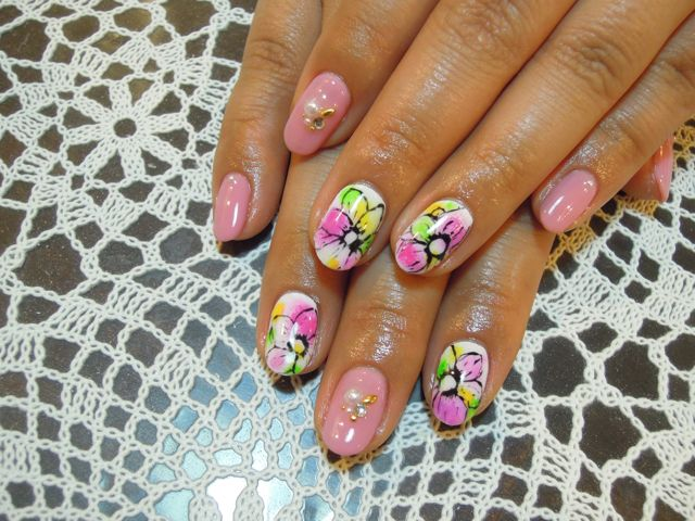Colorful Flower Nail_a0239065_12131972.jpg