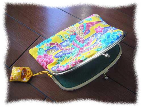「紅型財布」と「おひな祭りと春のおしゃれ」_f0178866_8255739.jpg