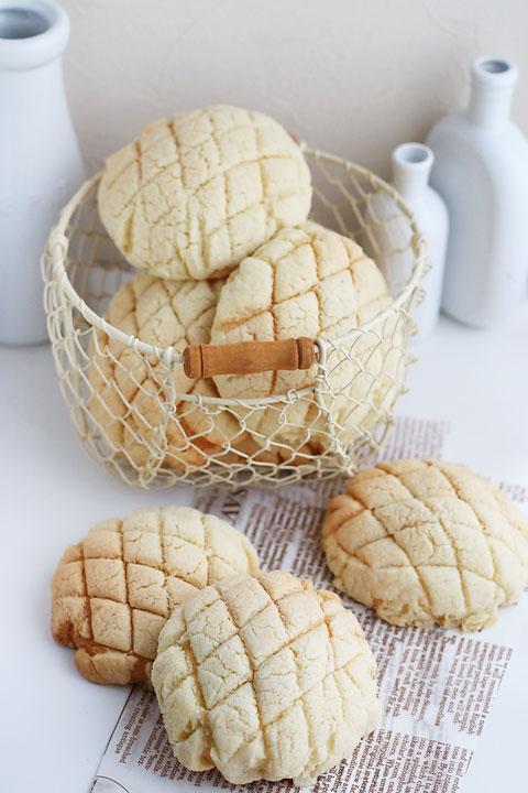 お店みたいなメロンパンとお知らせです_f0149855_620096.jpg