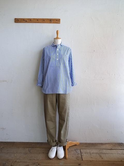 ナチュラルランドリーのシャツとチノパン_b0079489_19342240.jpg