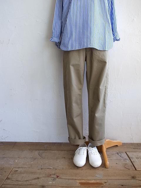 ナチュラルランドリーのシャツとチノパン_b0079489_1937388.jpg