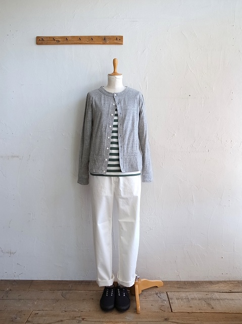 ナチュラルランドリーのシャツとチノパン_b0079489_19374586.jpg