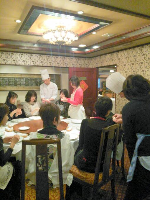 くるみの焼き菓子を習ってきました♪三笠会館「秦淮春」_a0169924_2234047.jpg