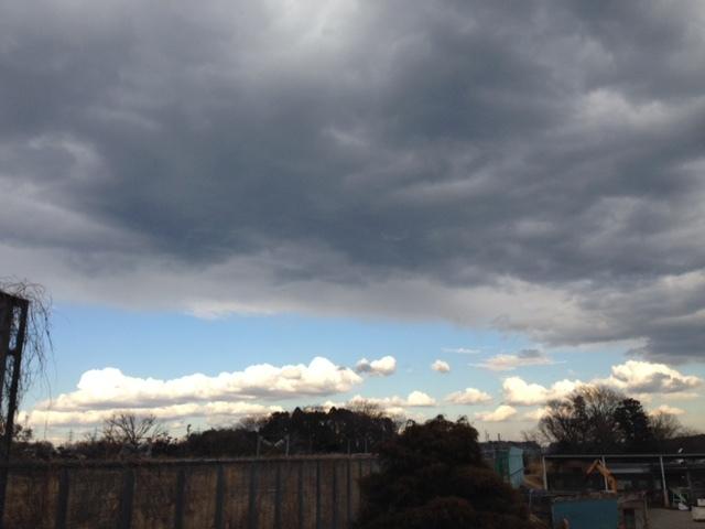 《雲》冬らしくない雲。~大きい2色の雲~^^_b0298740_23382755.jpg
