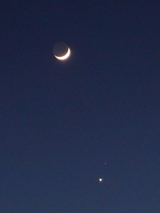 宵の明星と月・火星、春告げる星座と木星_f0079085_22222639.jpg