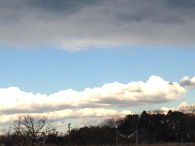《雲》冬らしくない雲。~大きい2色の雲~^^_b0298740_01424520.jpg