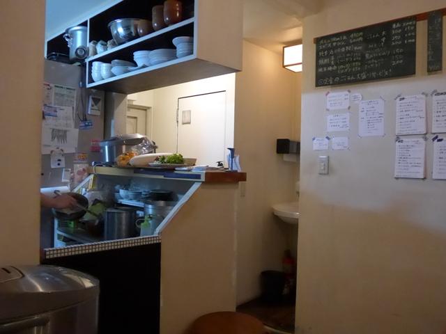 西荻窪「アパートメント食堂 なか川」へ行く。_f0232060_11301543.jpg