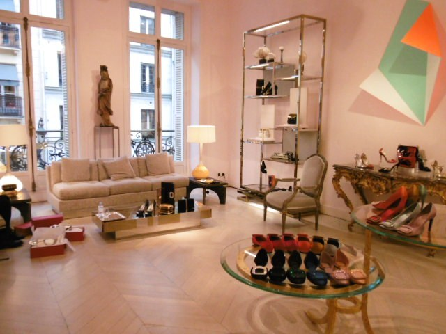 Roger  Vivier  Paris  Shop  Report  Feb, 2015_b0210699_21101912.jpg