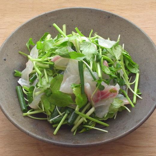 白身魚とセリのサラダ_a0118345_19022954.jpg