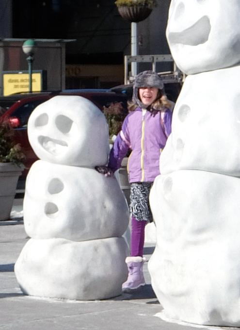 NYに雪だるま軍団なパブリック・アート登場中 Snow Monsters_b0007805_20212645.jpg