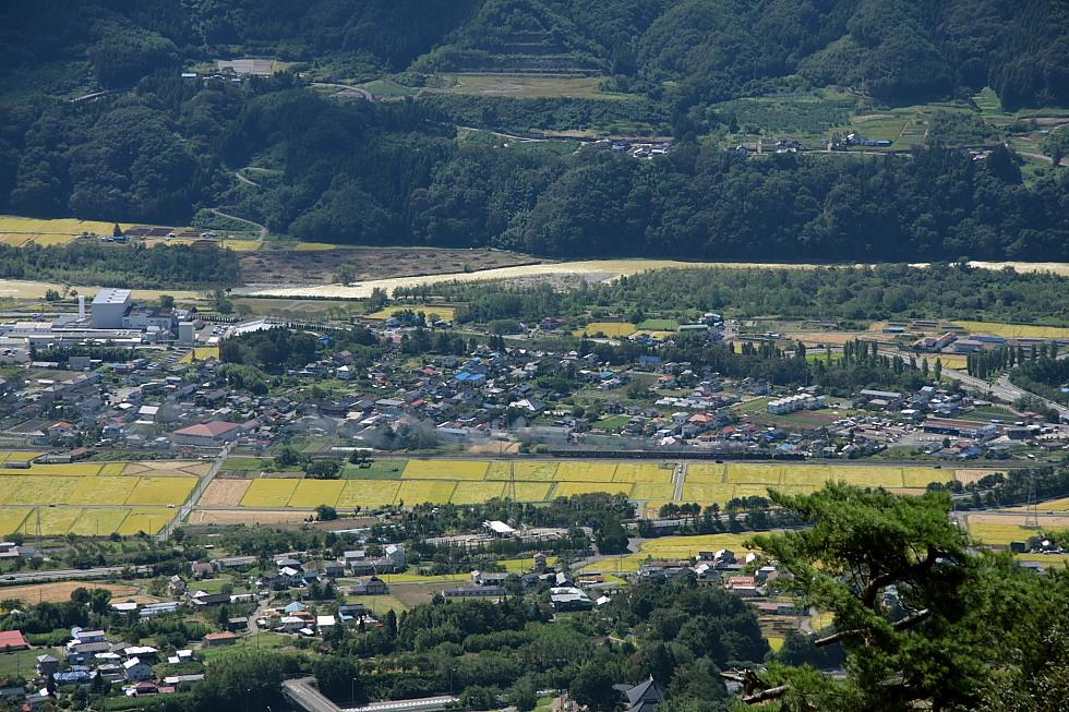 金色の田んぼ、山はあおく、川は土色 - 上越線 -  _b0190710_2350419.jpg