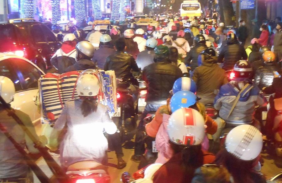 150224 バンブー建築に魅せられたヴェトナム建築探検ツアー_f0202414_1373785.jpg
