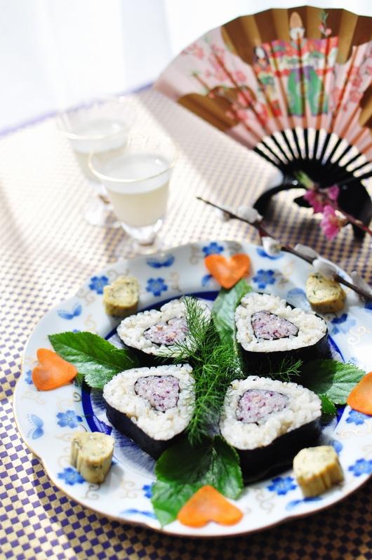 ひな祭りにハートの押し寿司。♥。・゚♡゚・。♥。・゚♡゚・。♥。_f0318142_12555534.jpg