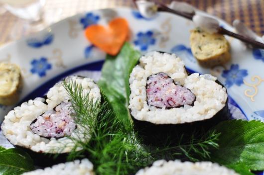 ひな祭りにハートの押し寿司。♥。・゚♡゚・。♥。・゚♡゚・。♥。_f0318142_13162359.jpg