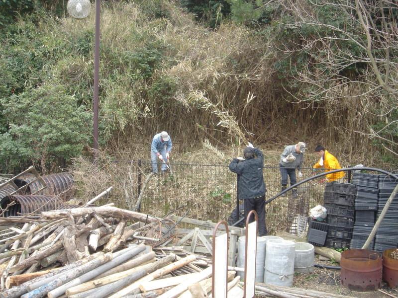 30Φホース施設準備  in  うみべの森_c0108460_23445153.jpg