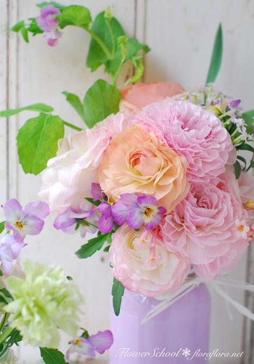 ラナンキュラスの国へようこそ 2月の花教室から 東京目黒不動前Flora*2ちいさな花の教室_a0115684_18100100.jpg