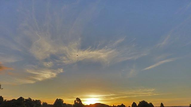 夕日と雲_e0133780_17044784.jpg