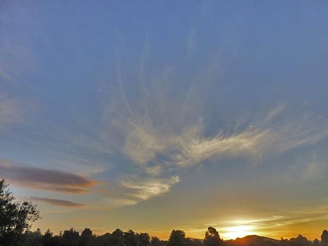 夕日と雲_e0133780_17054350.jpg