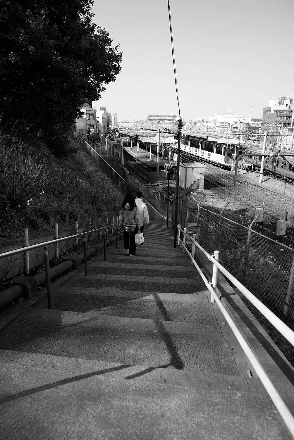 線路沿いの階段_f0121181_526781.jpg