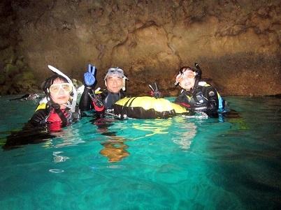 家族で青の洞窟シュノーケリング!!_a0156273_15033898.jpg