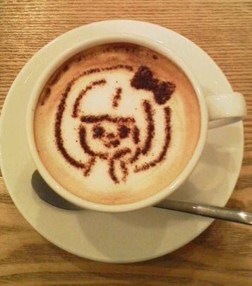 カフェでガールちゃん全開!_e0234016_2148275.jpg