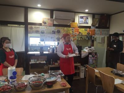 旬のイチゴを使ったお菓子作り教室_a0126418_1144190.jpg