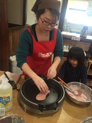 旬のイチゴを使ったお菓子作り教室_a0126418_1144783.jpg