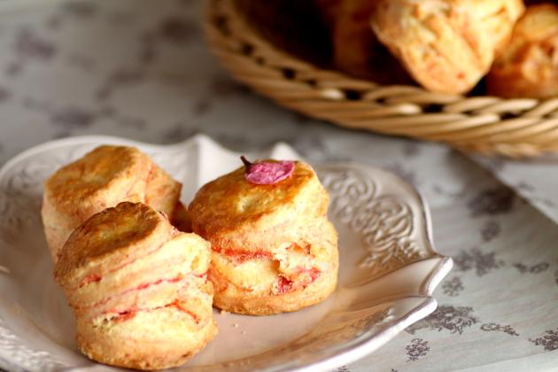 オンライン・ZOOMでレッスン「桜のスコーン」いちご酵母で_c0162653_1702518.jpg