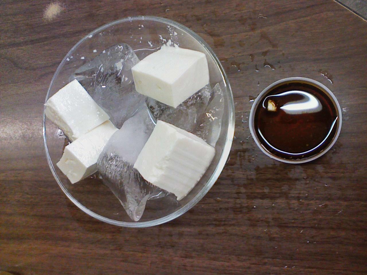 角打ちで「300円豆腐」の贅沢とは?_c0061686_70914.jpg