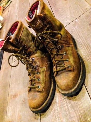 少量ですが小粒揃いのブーツたちを_a0108963_21550201.jpg