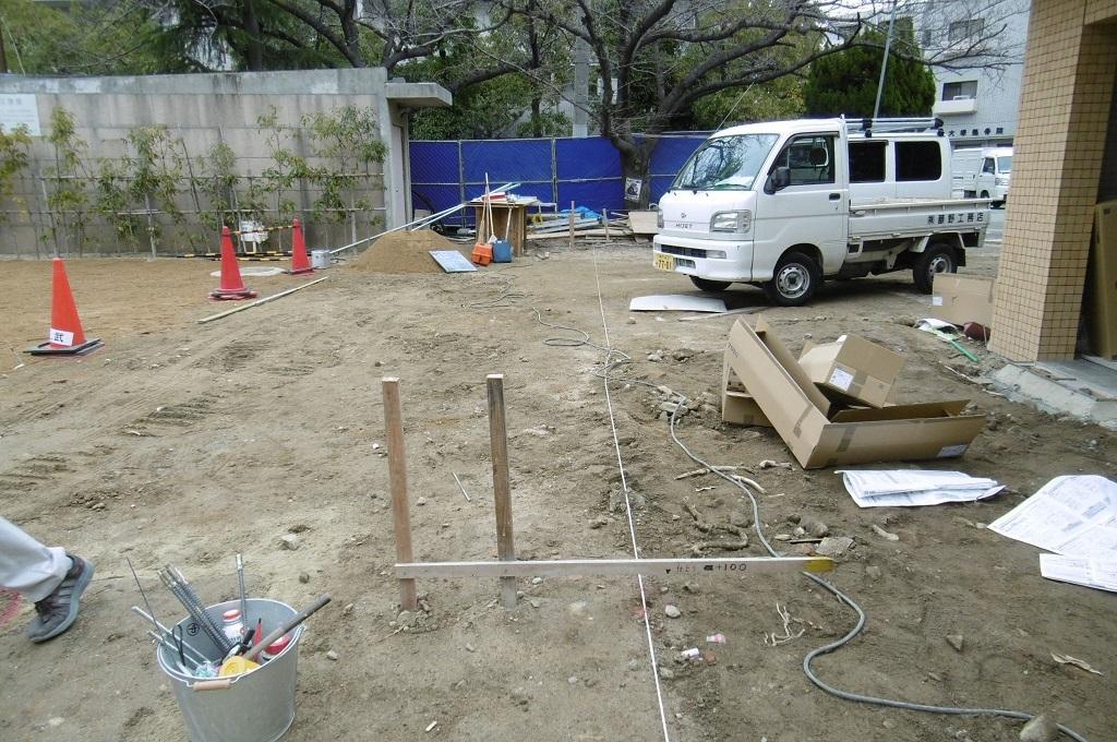 公園のトイレ 外構工事_f0205367_19270666.jpg