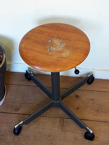 stool_c0139773_093612.jpg